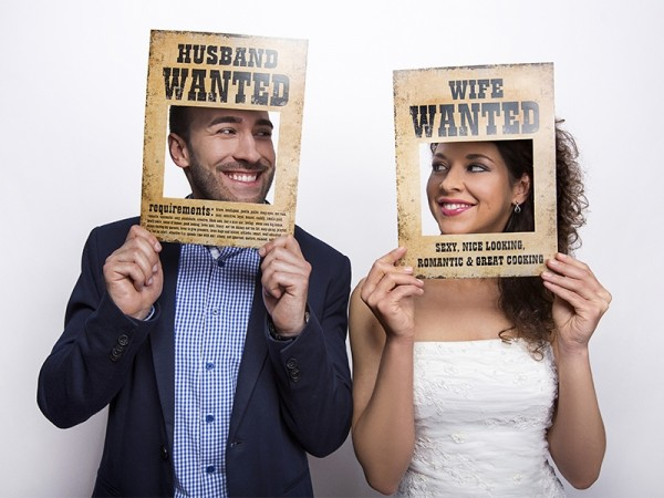 Photo Booth-Set Husband & Wife wanted