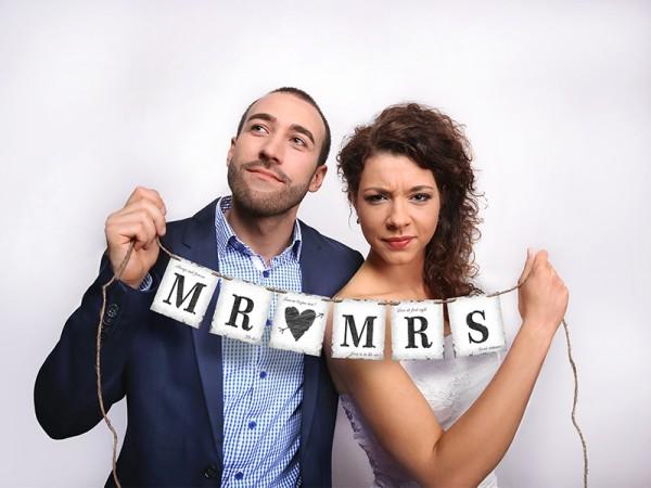 Banner Mr. & Mrs. - Jute