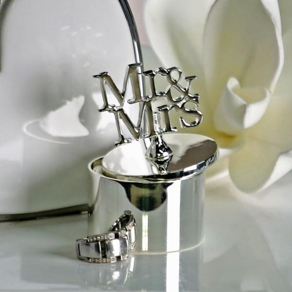 Ringdose Mr. & Mrs.