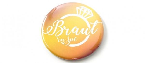 Button Braut in Spe